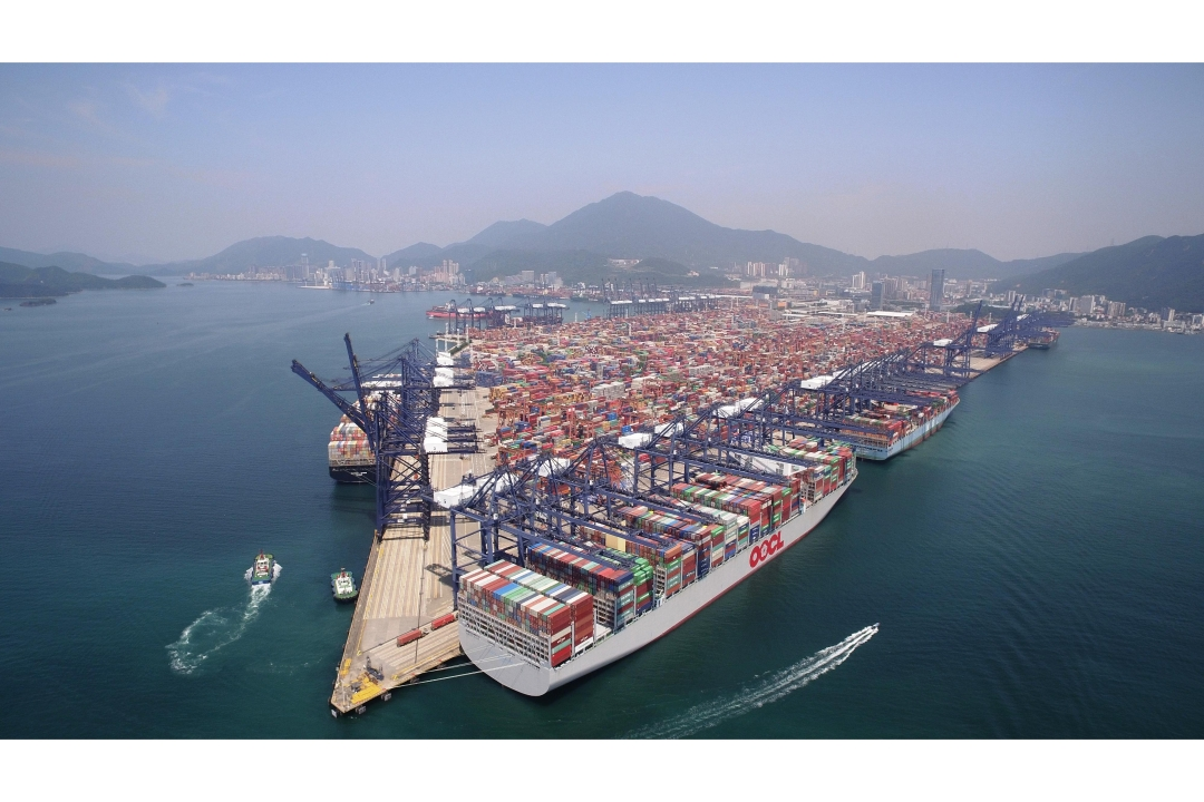 YICT welcomes the inaugural call of the 21,413-TEU OOCL Hong Kong